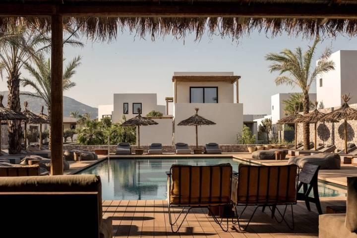 pool-area-Casa-Cook-Kos-greece-conde-nast-traveller-27oct17-Georg-Roske